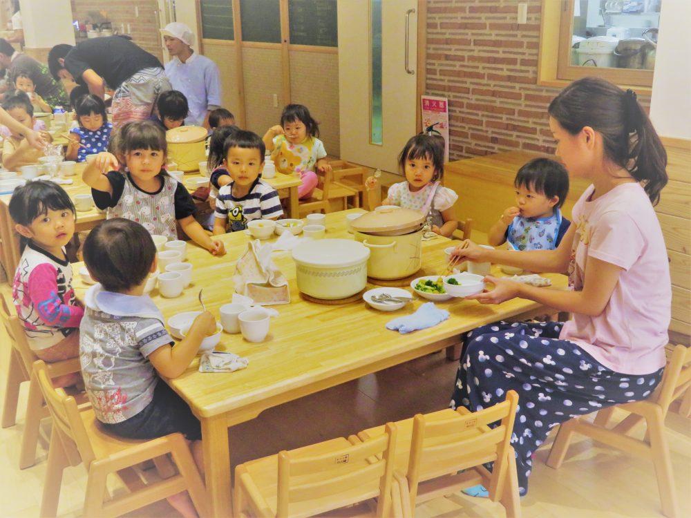 ☆上北沢こぐま保育園☆ おいしい給食です!!